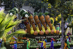 Kaiser Permanente Fresh Produce (Thad Zajdowicz) Tags: zajdowicz pasadena california roseparade 2018 usa outdoor outside canon eos 5dmarkiii 5d3 digital dslr color colour festive availablelight lightroom ef70200mmf4lisusm people float produce vegetables food carrots pumpkins parade street urban green orange yellow health kaiserpermanente