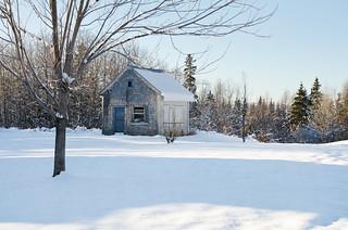Paysage d'hiver avec petite remise à St-Narcisse.