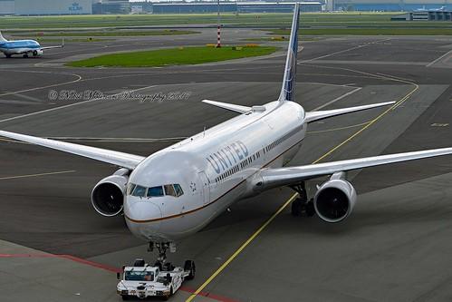 United Airlines N646UA Boeing 767-322ER cn/25283-420 @ EHAM / AMS 10-09-2017