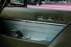 Chrysler 300 G (Triple-green) Tags: iphotooriginal 2007 300 auto canon24105mm14l canoneos30d chrysler kaunitz lettercar strasenkreuzertreffen uscar v8
