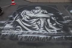 la Pietà di Michelangelo, dipinto sulla piazza della Madonna - Loreto (walterino1962 / sempre nomadi) Tags: dipinto affresco disegno pavimento mattonelle birillo borsa manicodellascopa luci ombre riflessi loreto ancona