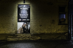 #21 (ihynynen) Tags: people photograph streetpohtography urban city nightphotography night 21
