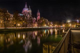 Night walk near the Isar in Munich - Nachtspazierung an der Isar in München
