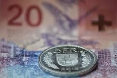 1 franco 14 pesetas (Sandra Tiemblo) Tags: franco moneda billete basel basilea suiza macro