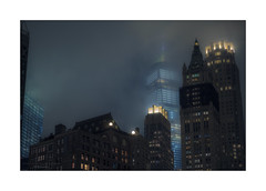 Foggy Night (Nico Geerlings) Tags: fog foggy mist manhattan lowermanhattan newyorkcity usa nyc ny ngimages nicogeerlings nicogeerlingsphotography oneworldtradecenter 1wtc foggynight