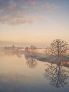 Between River And Mist