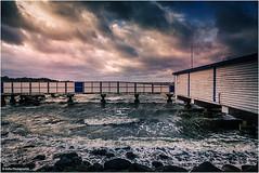 Neujahrsspaziergang (geka_photo) Tags: gekaphoto heikendorf schleswigholstein deutschland ostsee meer himmel wolken seebad badeanstalt wellen neujahr
