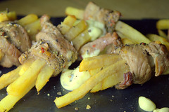 Steak & Chips Skinny Fries wrapped with Peppered Steak and served with a Bearnaise Sauce (Tony Worrall) Tags: add tag ©2017tonyworrall images photos photograff things uk england food foodie grub eat eaten taste tasty cook cooked iatethis foodporn foodpictures picturesoffood dish dishes menu plate plated made ingrediants nice flavour foodophile x yummy make tasted meal nutritional freshtaste foodstuff cuisine nourishment nutriments provisions ration refreshment store sustenance fare foodstuffs meals snacks bites chow cookery diet eatable fodder steak chips skinny fries wrapped peppered served bearnaise sauce