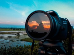 While the sunset keeps so many stories, the camera takes the story one at a time. (ibtihajtafheem) Tags: reflection reflections sunset sunbeam sunsetlover sunsets sunrise sunriseporn sunsetlovers sunray sunsetporn sunsetphotography travelphotography travelearth travel earthcolors earth earthpix color colors canon canon1200d canonofficial nd10 ndfilter photography photographylove photographs photographylife photo photographer photos dayphoto lens naturelover naturelovers naturephotography naturescape nature natureporn natgeotravel natgeo naturel natureshots natureshot naturebeauty flickr
