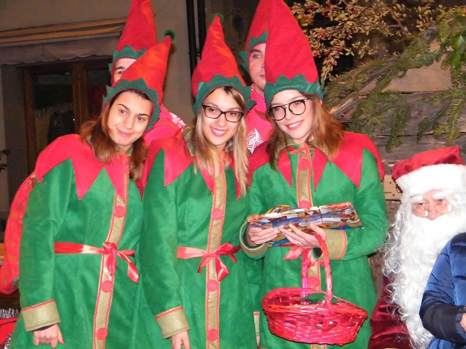 La tribù delle coccinelle a scuola con Babbo Natale