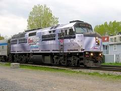 A short-lived wrap (Michael Berry Railfan) Tags: coorslightsilverbulletexpress via6408 viarail f40ph2 emd gmd montreal montrealsub quebec train passengertrain