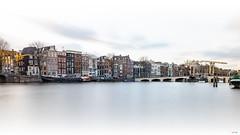 Magere Brug en de Amstel (Arjan Almekinders) Tags: amsterdam magere brug skinny bridge amstel water wit white grachten grachtengordel longexposure le lange sluitertijd