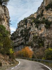 Foces de Biniés, Valle de Ansó. Huesca (Jose Antonio Abad) Tags: joséantonioabad paisaje veral aragón valledeansó carreteras naturaleza pública españa biniés huesca jacetania lajacetania es