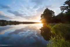 Sunrise in Burgundy (Laurent Lamour) Tags: sunrise lever soleil bourgogne burgundy saôneetloire lake lac