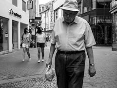 Mr.Fisher (Markus Immerheiser) Tags: cinematicstreetart streetphoto streetlife streetphotoclub streetphotography strassenfotografie strasenfotografie germany silhouette instagood photooftheday potd urban urbanart streetarteverywhere bw lumix gx7 schwarzweis schwarzweiss monochrome blackwhite blacknwhite amazing likeitup mainz old manfisher hat