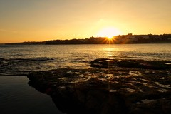 Cut the sun (Sam-Henri) Tags: bondi beach bondibeach southbondi sunset sun water australia peace calm