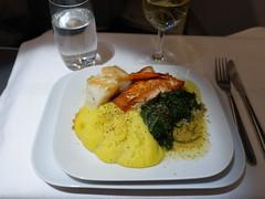 201711013 LH411 JFK-MUC dinner (taigatrommelchen) Tags: 20171145 flyingmeals airplane inflight meal food dinner business dlh lufthansa lh411 a340600 daihe jfkmuc explore