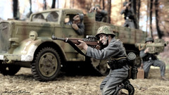 Panzer Grenadiers (3) (WesternOutlaw) Tags: wehrmacht 130 130scale toysoldiers kingcountry kingandcountry opel maultier opelmaultier normandy panzergrenadier