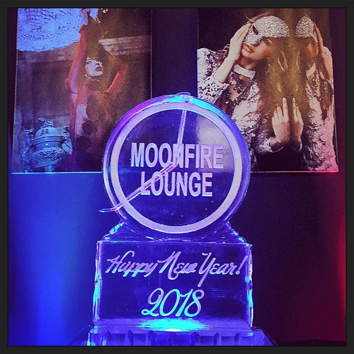 What's #newyearseve without a fun #iceluge @moonfireloungeatx knows how to host a great time! #fullspectrumice #thinkoutsidetheblocks #brrriliant - Full Spectrum Ice Sculpture
