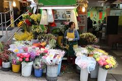 Florist (mbphillips) Tags: 香港 홍콩 hongkongisland 港島 港岛 asia 亞洲 fareast アジア 아시아 亚洲 city ciudad 도시 都市 城市 sigma1835mmf18dchsm canon80d mbphillips central 中環 hongkong florist flowers geotagged photojournalism photojournalist