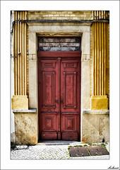 ...y la pintaron de rojo para advertir. (V- strom) Tags: concepto concept portugal braga colores colors rojo red amarillo yelow código code texturas textures arquitectura arquitecture abandonado abandoned nikon nikon2470 nikond700 irix15mm madera wood puerta door