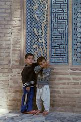 Iran (wietsej) Tags: iran minoltamaxxum9xi 9xi boys children film analoge srl minolta28105mmf3545afxi 28105