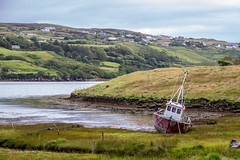 Ireland - Carrick (Marcial Bernabeu) Tags: ireland irlanda irish irlandes irlandesa irlandés marcial bernabeu bernabéu carrick boat ship barco varado aground stranded