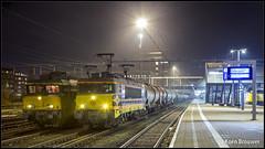 20171215 BE E01 1835 + Coevorden-shuttle en RRF 4401 + ketelwagens, Amersfoort (50419/44792) (Koen Brouwer) Tags: rrf railfeeding 4401 44792 amf amersfoort bentheimer eisenbahn e01 1835 50419 coevordenshuttle station gare bahnhof trein train zug goederentrein guterzug freight evening dark night december 2017