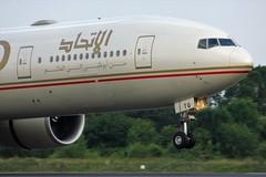 A6-ETQ (AnDyMHoLdEn) Tags: etihad 777 boeing777 egcc airport manchester manchesterairport 05r