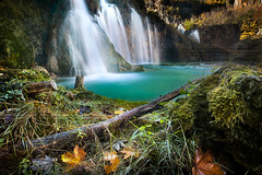 Plitvice Lakes National Park. Croatia (beatricepreve) Tags: croatia lake scenery landscape fall waterfall traval amazing jungle adventure water breathtaking wanderlust nationalpark park autumn forest paradise europe turquoise peace fantastic vacation tourism cliff canyon famous trip journey river tropical stream mountain resprt vivid season flow sky wonderland beautiful cascade ecology flora foliage hiking nature reflection wonderful trees plitvice