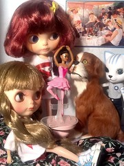 Blythe-a-Day#6: Toy; and Toy-in-the-Frame Thursday: Barkley Deals with Temptation