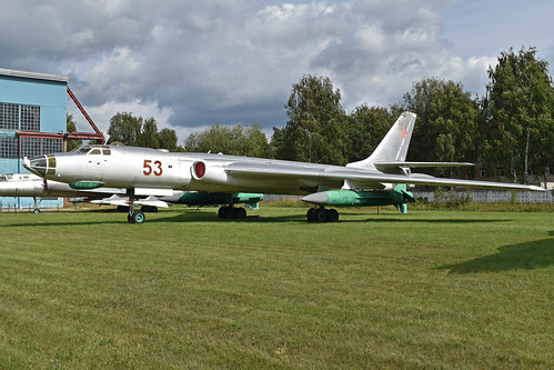 Tupolev Tu-16K-26 '53 red'