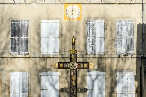 cadran solaire, croix, coq et coeur * carcassonne