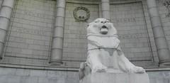 Aberdeen City War Memorial, Aberdeen, Nov 2017 (allanmaciver) Tags: granite silver city aberdeen north east coast grampian region lion world war glorious dead 1914 1918 1939 1945 below angle closer look allanmaciver