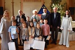 """Kolejny sukces młodych plastyków w wojewódzkim konkursie plastyczno-literackim: """"Gwiazdka tuż, tuż..."""""""