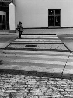 Between lines (Leica M6)