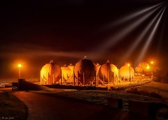 War of the Worlds (galavardo) Tags: sony a7 28mmf2 campatorres gijón asturias españa spain industria industry noche nocturna night mirrorless