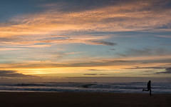'Exit 2017, stage left ... ' (Canadapt) Tags: sunset ocean beach sand runner jogging waves praia grande portugal canadapt
