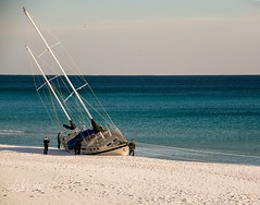"""The Phantom of The Aqua"" . . . (Dr. Farnsworth) Tags: sail boat grounded washed ashore phantom aqua destin mirmarbeach fl florida winter january2018"