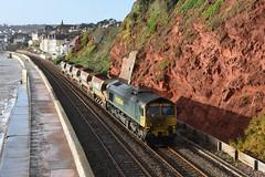 Dirty Boy. (Teignstu) Tags: dawlish devon seawall railway freightliner class66 66532 autoballasters sea