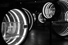 Technik-Museum 1/13 (DasWarmblut) Tags: berliner technik museum berlin technic germany capital city black white bw schwarz weis schwarzweis sw light rings licht ringe circle circles kreis kreise