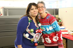1E7A3472 (anjanettew) Tags: uglysweater christmassweater officeparty fun potluck holidaylunch