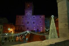 Countdown (luc.feliziani) Tags: cortona italy tuscany notte comune chrismas city story etruscan