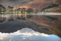 Buttermere Classic (hapulcu) Tags: greatbritain lakedistrict unitedkingdom angleterre britain buttermere cumbria england gb herbst inghilterra inglaterra uk automne autumn autunno høst jezero lac lago lake otoño see toamna