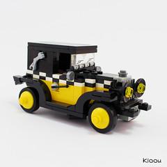 Gaston - The car (Kloou.) Tags: lego kloou gaston fiat 509 voiture longtarin bd bande dessinée vignette car comics lagaffe franquin