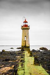Phare de Ville-ès-Martin (Kambr zu) Tags: erwanach kambrzu lighthouse tourism ach sea phare seascape landescape poselongue paysages paysagesmythiques loireatlantique saintnazaire