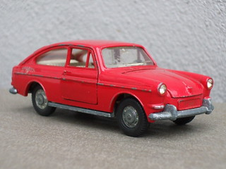 Vintage Dinky Toys Red VW Volkswagen Type 3 1600TL Fastback Diecast Model