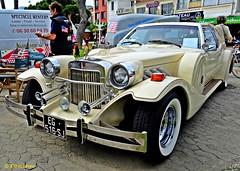 Custom party american 2017 (Domènec Ventosa Pascual) Tags: argeles francia fiesta vintage coche clásico americano exposición france party custom car classic american exposition gente people