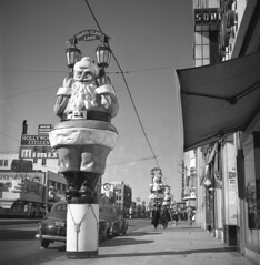 Santa Claus Lane, Hollywood (jericl cat) Tags: christmastime santa claus lane hollywood 1930s streetlight display decorations enormous huge christmas decor history boulevard losangeles thrifty citizen