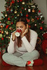 Happy Holidays! (TheJennire) Tags: photography fotografia foto photo canon camera camara colours colores cores light luz young tumblr indie teen holiday xmas christmas 2016 50mm selfportrait mug coffee cozy home christmastree girl eyes look